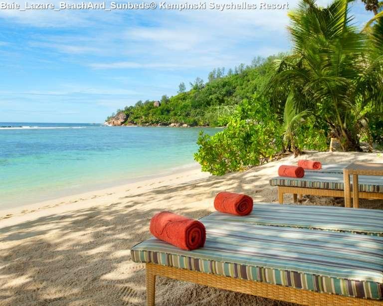 Baie_Lazare_BeachAnd_Sunbeds