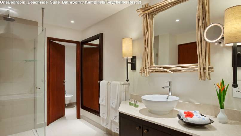 OneBedroom_Beachside_Suite_Bathroom