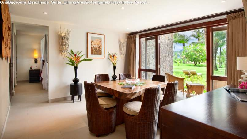 OneBedroom_Beachside_Suite_DiningArea