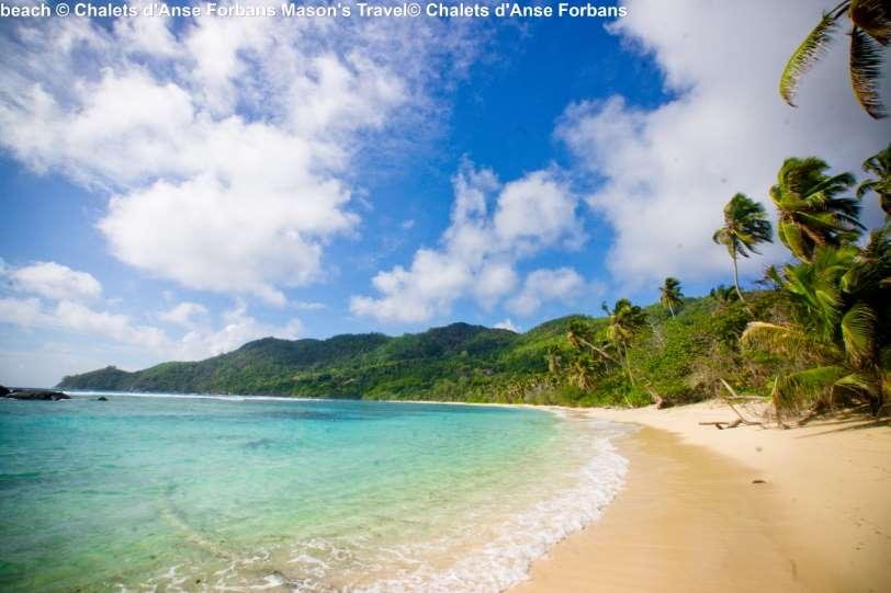 beach-©-Chalets-dAnse-Forbans-Masons-Travel