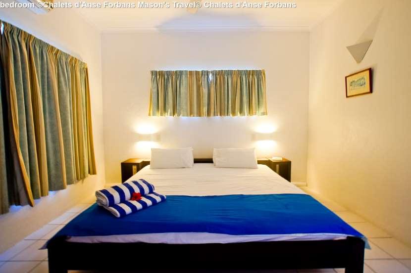 bedroom-©Chalets-dAnse-Forbans-Masons-Travel.