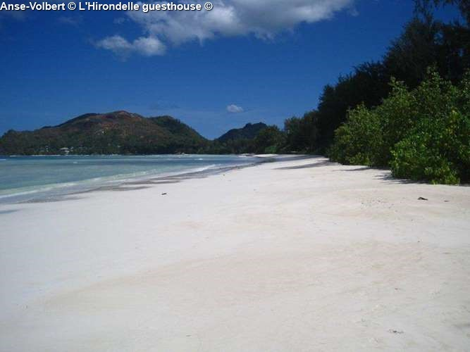 Anse Volbert close to l'Hirondelle guesthouse (Praslin)