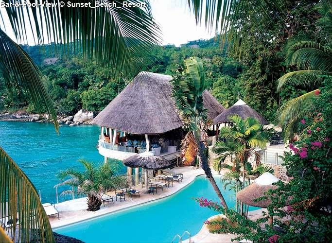 Bar-&-Pool-View Sunset_Beach_ Resort