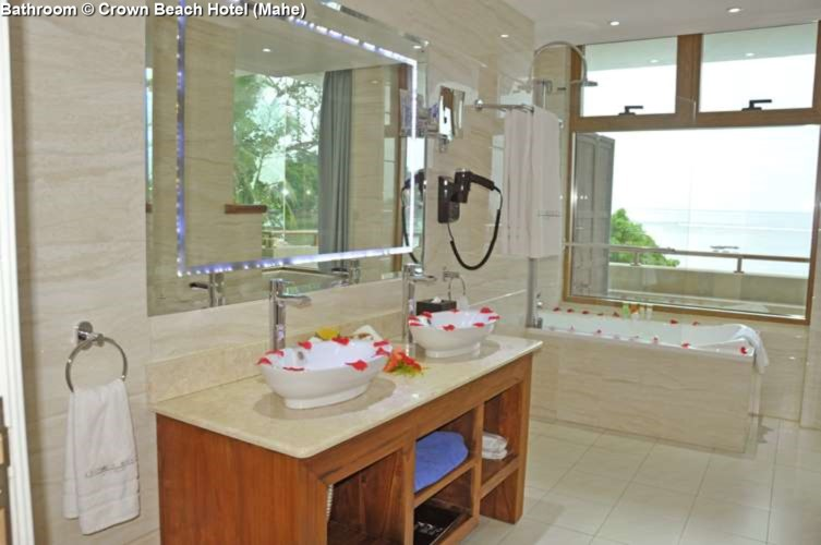 Bathroom © Crown Beach Hotel (Mahe)