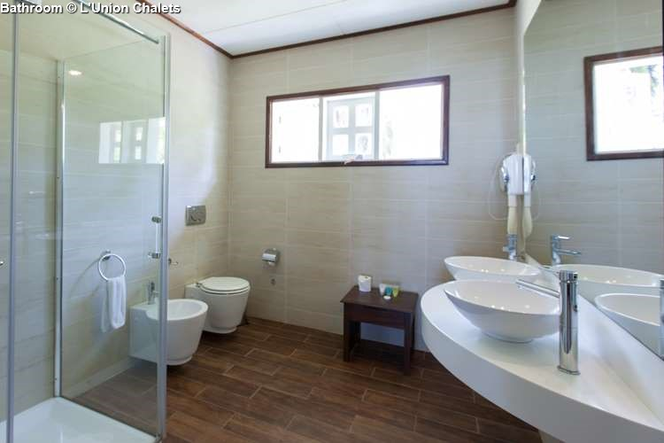 Bathroom of L'Union Chalets