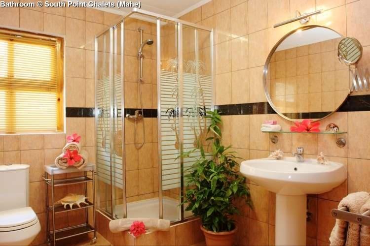 Bathroom © South Point Chalets (Mahe)