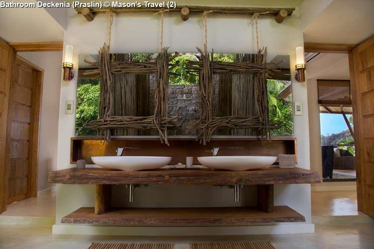 Bathroom of Deckenia (Praslin)