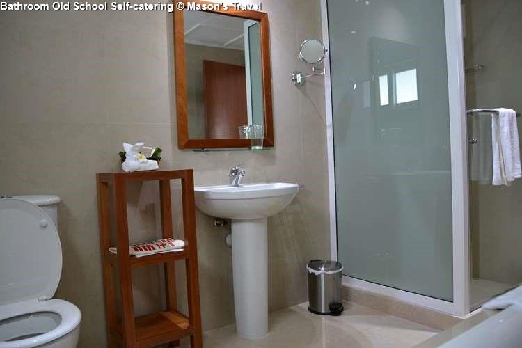 Bathroom Old School Self-catering (Praslin)