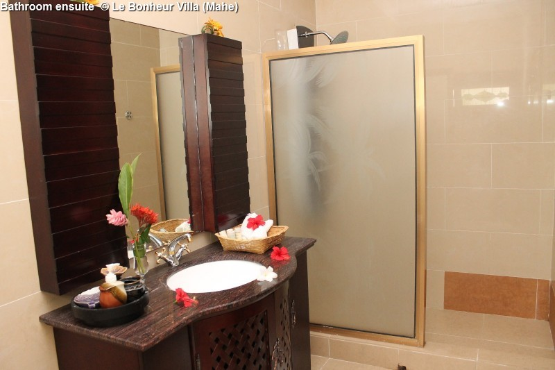 Bathroom ensuite © Le Bonheur Villa (Mahe)