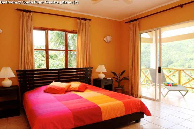 Bedroom © South Point Chalets (Mahe)