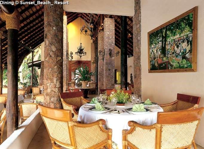 Dining Sunset_Beach_ Resort