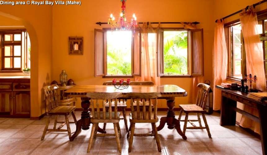 Dining area © Royal Bay Villa (Mahe)