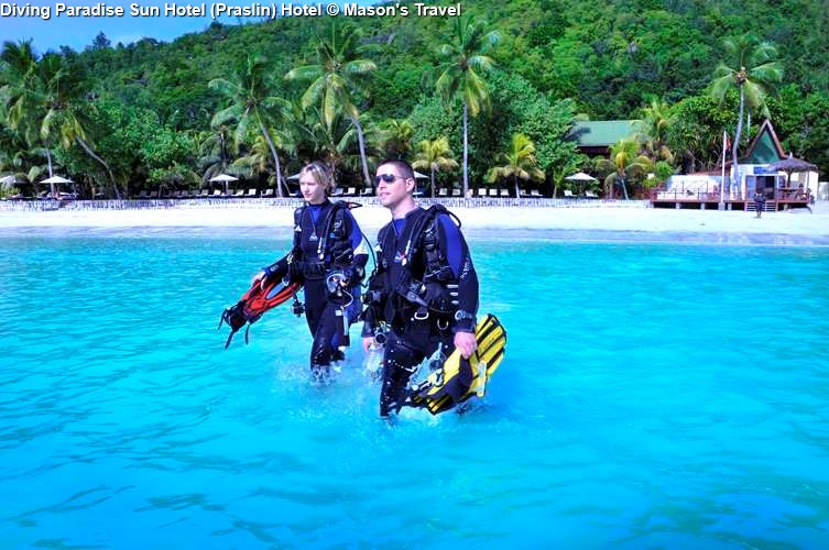 Diving activities on the beach of Paradise Sun Hotel (Praslin)
