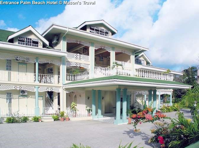 Entrance Palm Beach Hotel