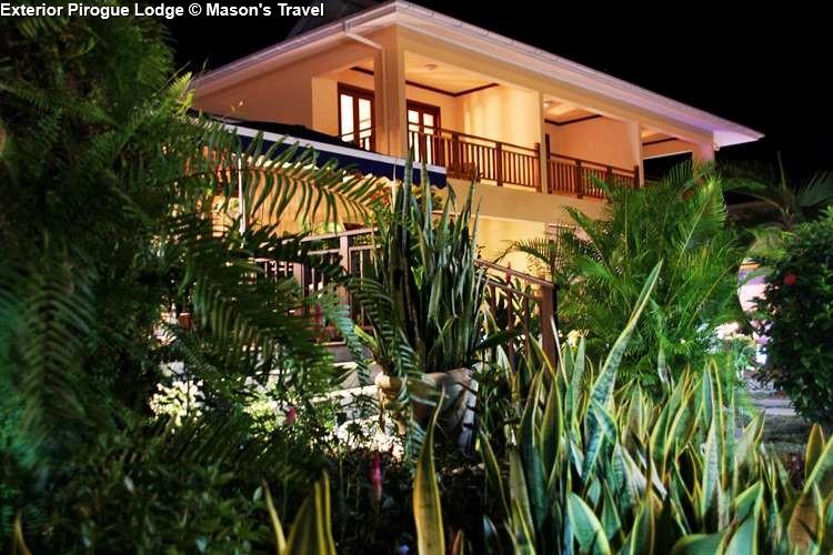 Exterior Pirogue Lodge (Praslin)
