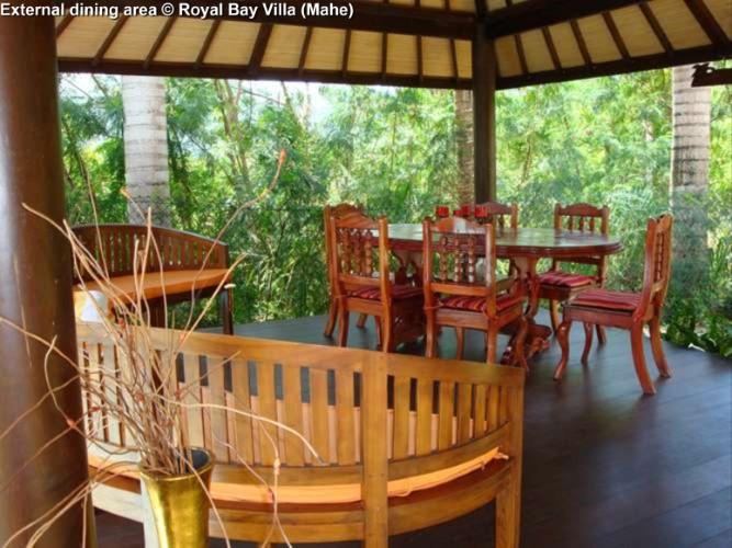 External dining area © Royal Bay Villa (Mahe)