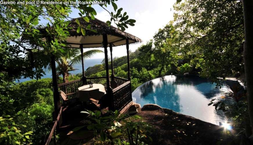 Gazebo and pool © Residence on the Rocks (Mahe)