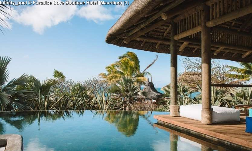 Infinity_pool Paradise Cove Boutique Hotel (Mauritius)