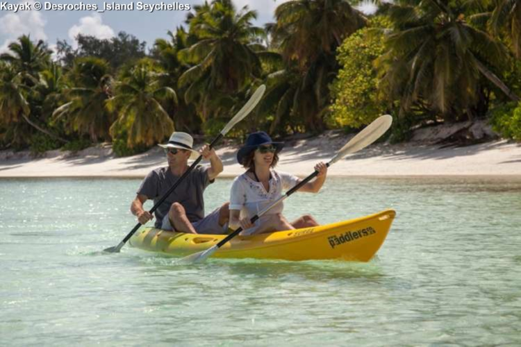 Kayak along Desroches_Island