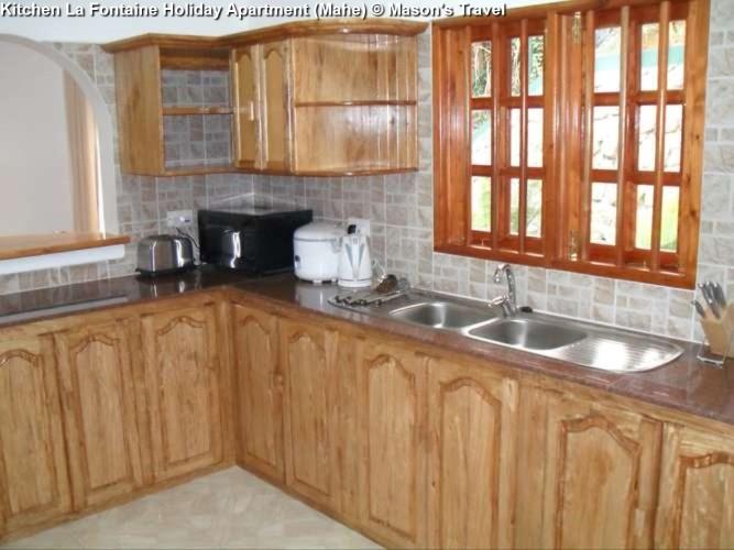Kitchen La Fontaine Holiday Apartment (Mahe)