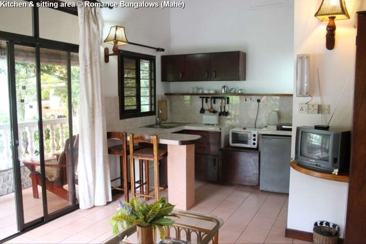 Kitchen & sitting area © Romance Bungalows (Mahé)