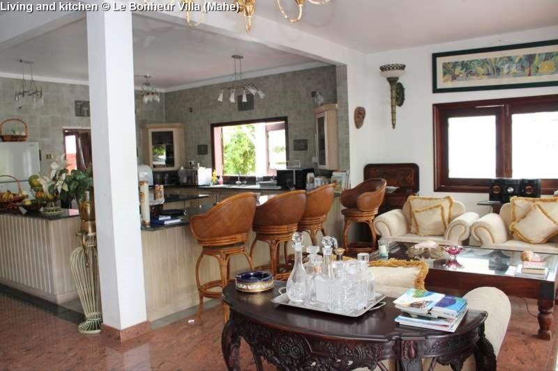 Living and kitchen © Le Bonheur Villa (Mahe)