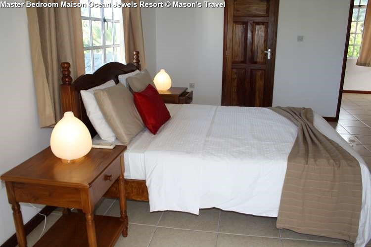 Master bedroom Maison of Ocean Jewels Resort (Praslin)