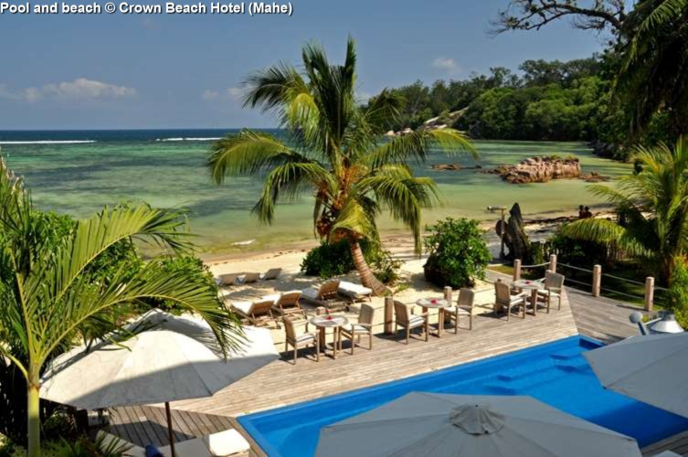 Pool and beach © Crown Beach Hotel (Mahe)