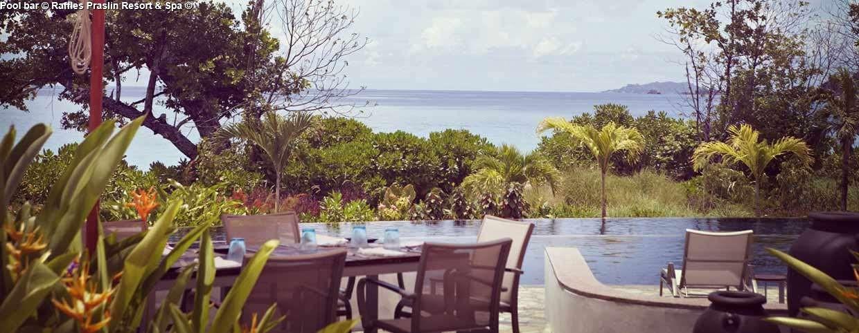 Pool bar © Raffles Praslin Resort & Spa ©