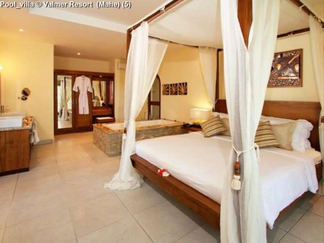 Pool_villa © Valmer Resort (Mahe)