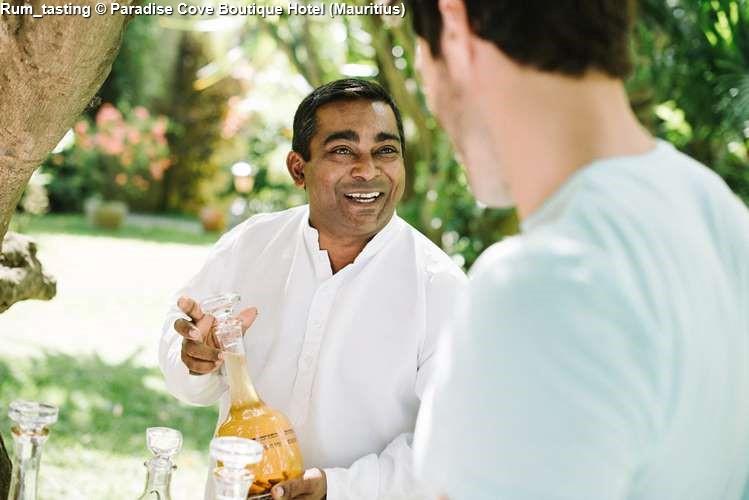 Rum_tasting Paradise Cove Boutique Hotel (Mauritius)