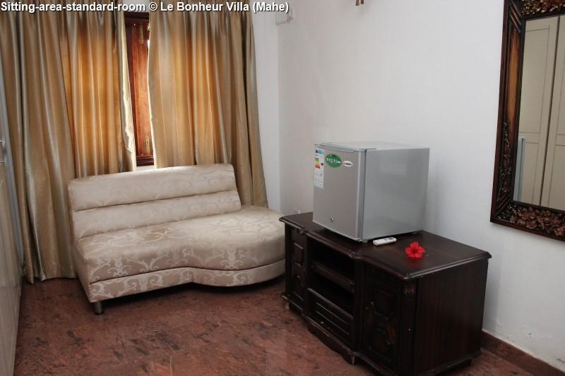 Sitting-area-standard-room © Le Bonheur Villa (Mahe)