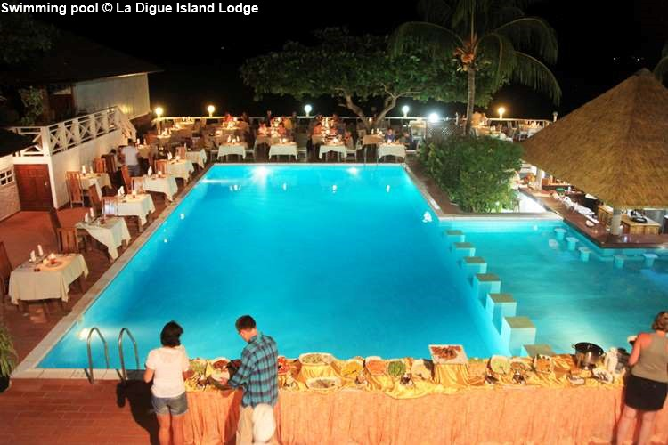dinner buffer around the swimming pool of La Digue Island Lodge