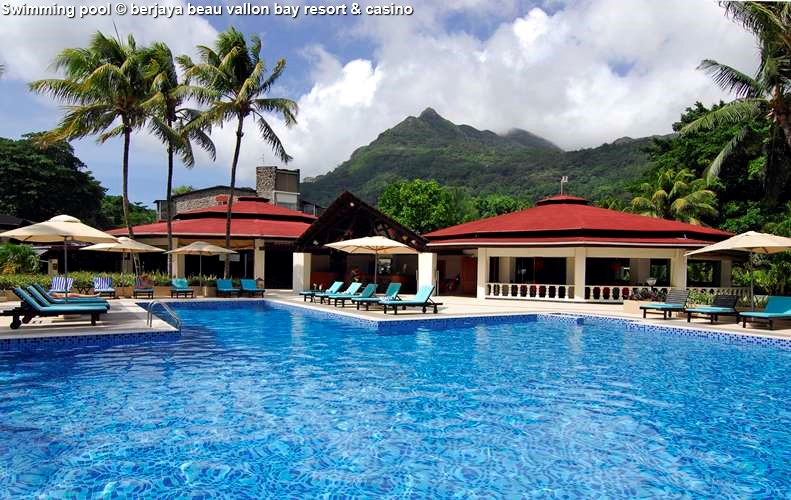 Swimming_pool berjaya beau vallon bay resort & casino