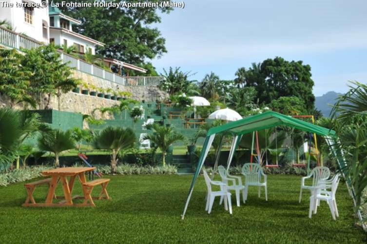 The terrace © La Fontaine Holiday Apartment (Mahe)