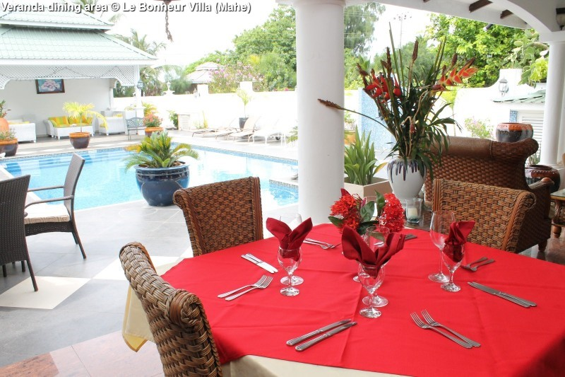 Veranda dining area © Le Bonheur Villa (Mahe)