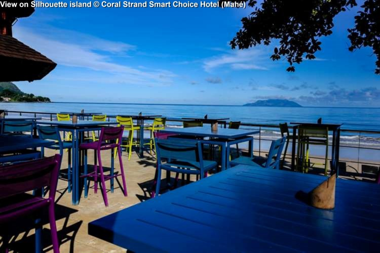 View on Silhouette island © Coral Strand Smart Choice Hotel (Mahé)