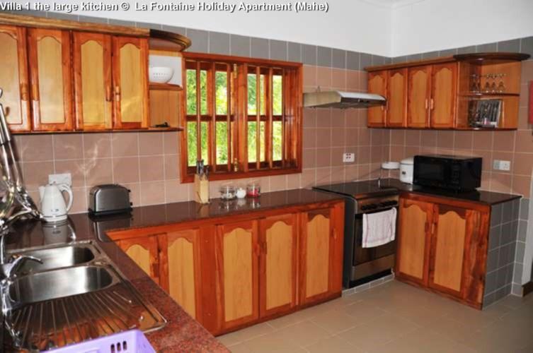 Villa 1 the large kitchen © La Fontaine Holiday Apartment (Mahe)