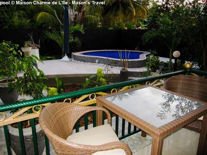 pool Maison Charme de L'Ile