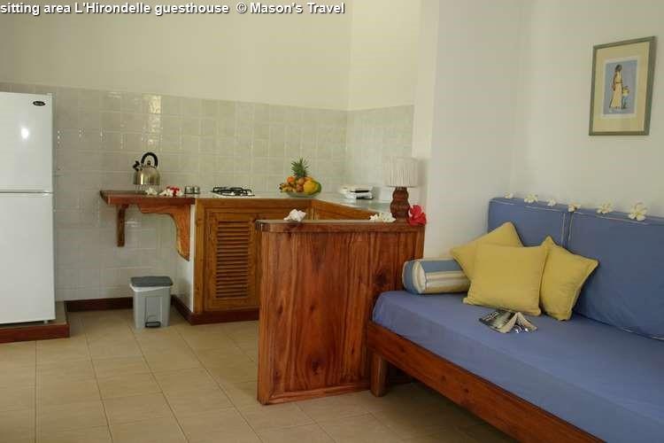 Sitting area L'Hirondelle guesthouse (Praslin)