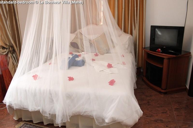 standard-bedroom © Le Bonheur Villa (Mahe)